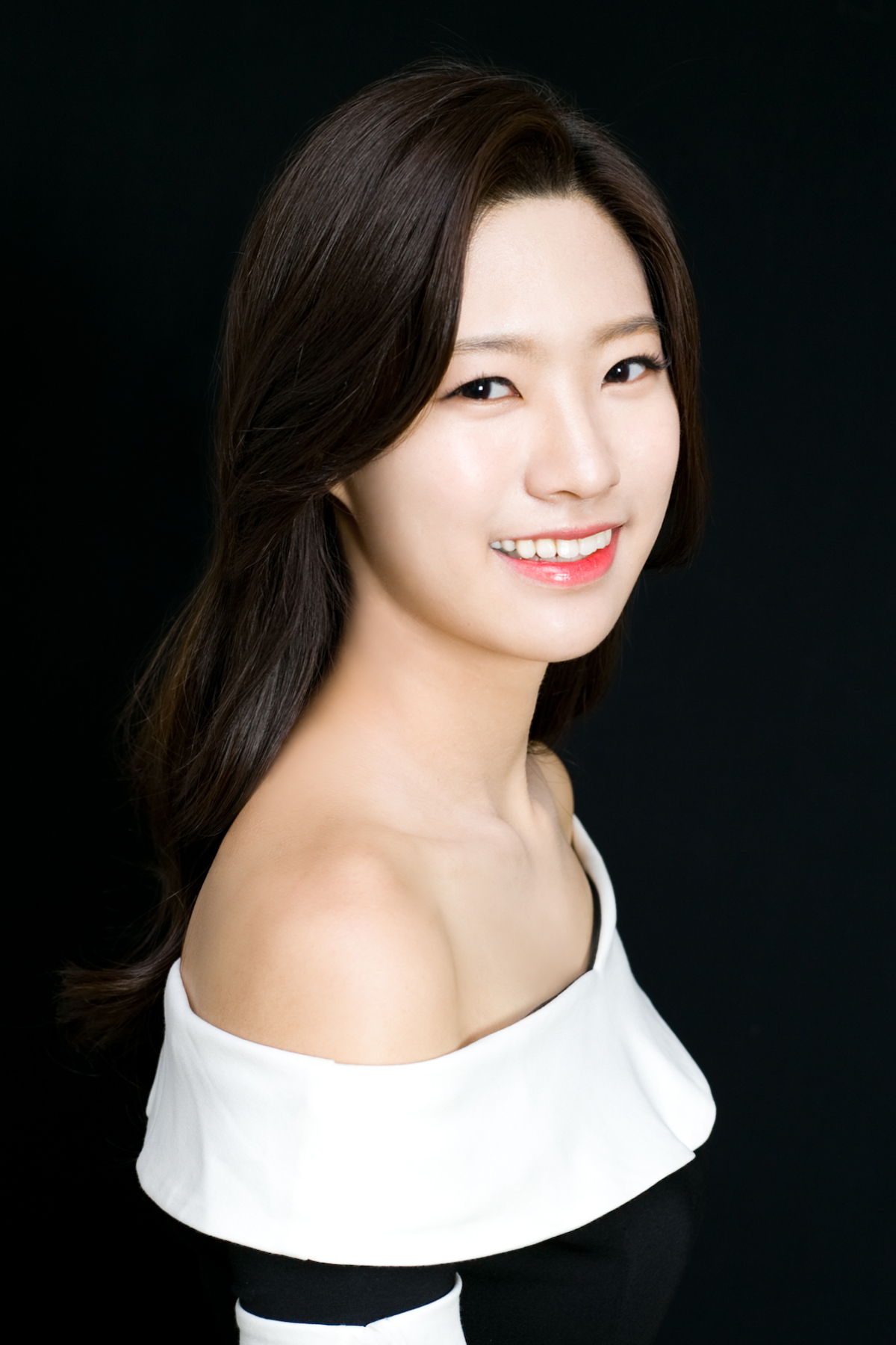 YoonJongHee2.jpg