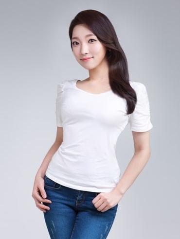 김우연-반신.jpg